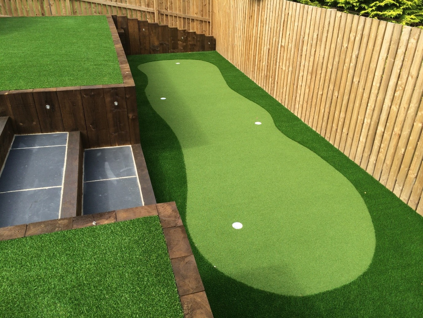 Crazy golf back garden designs golfsupport blog for Back garden designs uk
