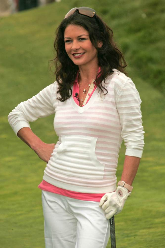 catherine-zeta-jones-exclusive-golf-club-member