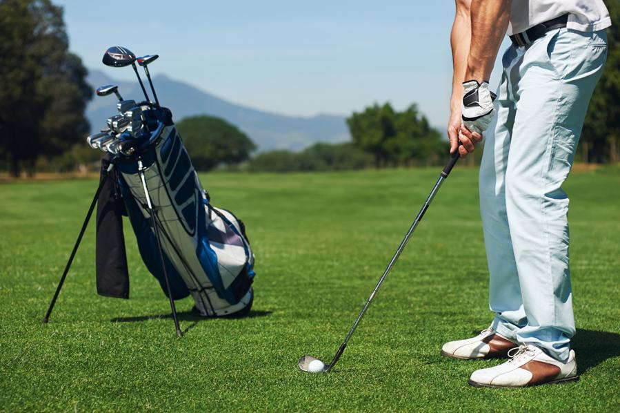 man with ideal golf bag setup